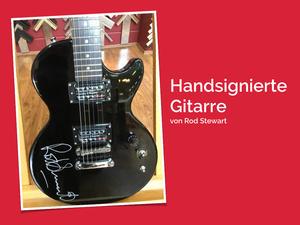 Absolute Rarität: Eine von Rod Stewart handsignierte Gitarre wechselt den Besitzer für einen guten Zweck